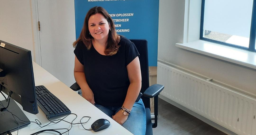 Latoya Dijkschroeff, klantmanager Stadsbank Oost Nederland